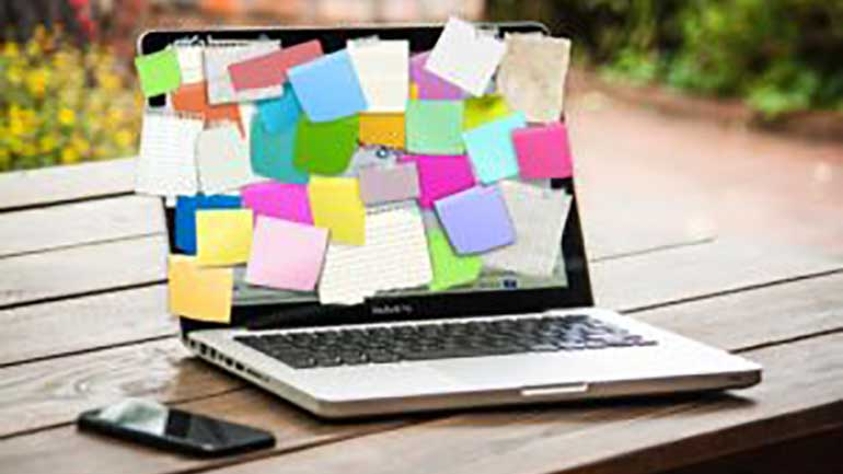 PC med post-its